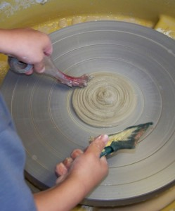 We use a wide variety of tools, objets and our pottery wheel in our ceramics work.